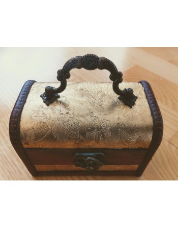 Wooden Floral Box Gold